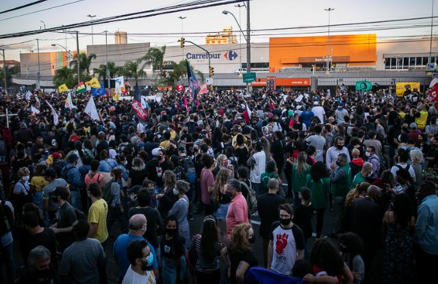 Milhares exigem justiça para Beto