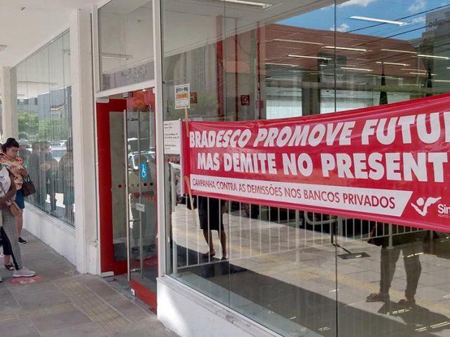 Manifestações contra demissões do Bradesco voltam a tomar ...