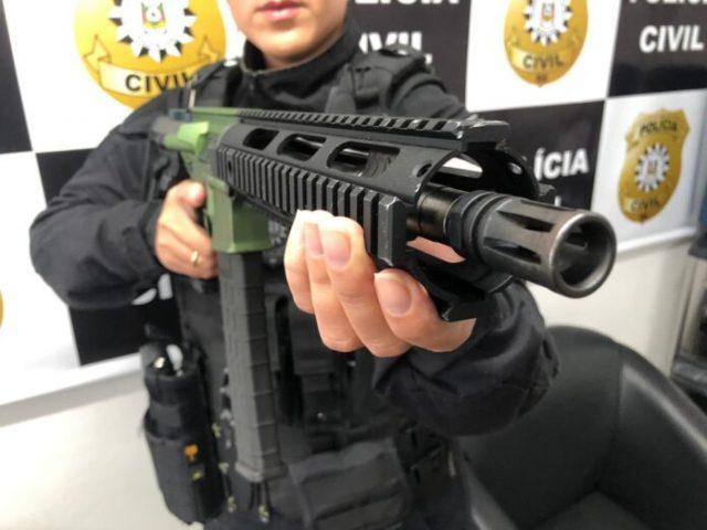 """Polícia fecha """"depósito"""" de armas que seriam usadas ..."""