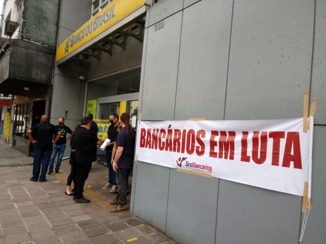 Protesto em agência histórica do BB sensibiliza clientes