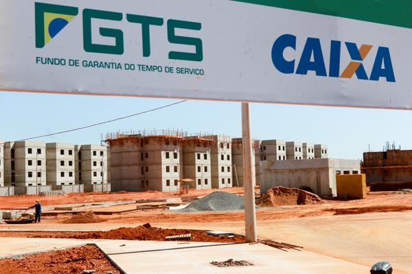Retiradas do FGTS enfraquecem investimentos e obras sociais