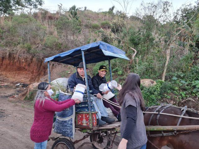 SindBancários entrega cobertores doados pela Portocred