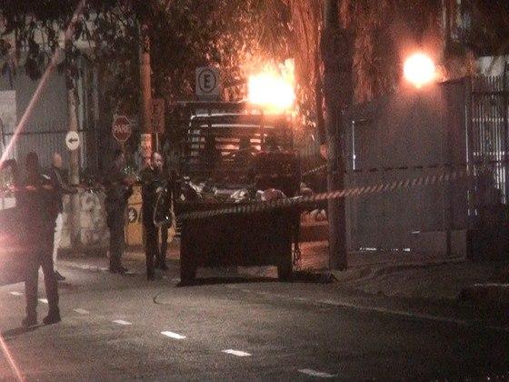 Polícia cerca Araçatuba (SP), após noite de ...